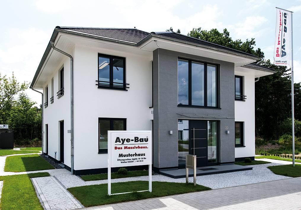 Musterhaus villa babelsberg aye bau for Musterhaus bilder