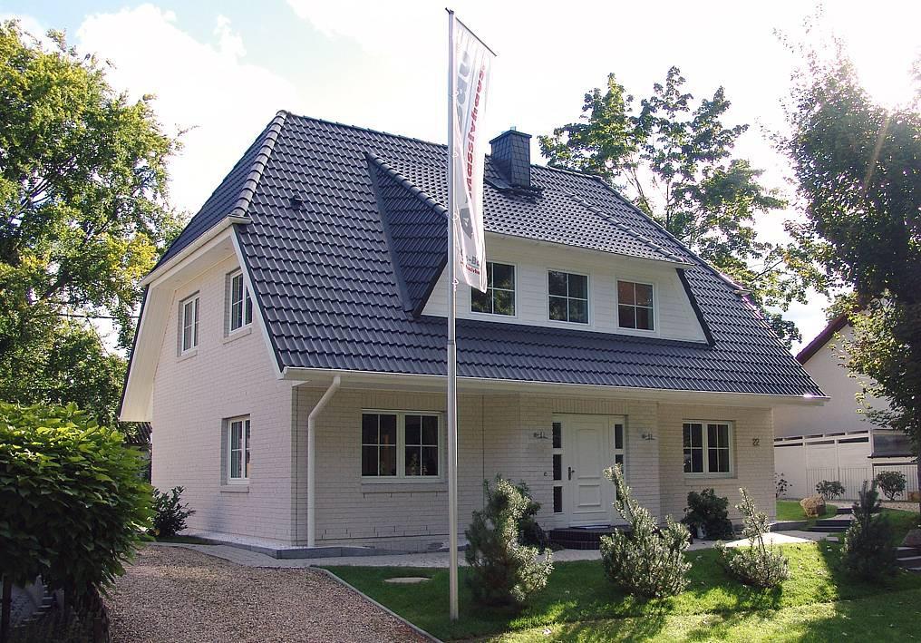 Haus hildesheim aye bau for Klassischer baustil