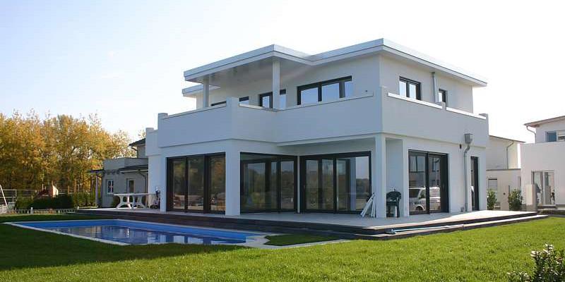 Mit bauhaus stil akzente setzen for Haus bauen bauhausstil