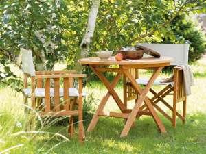 Massivholzmöbel für den Garten: Edel und gefällig. Quelle: VDM