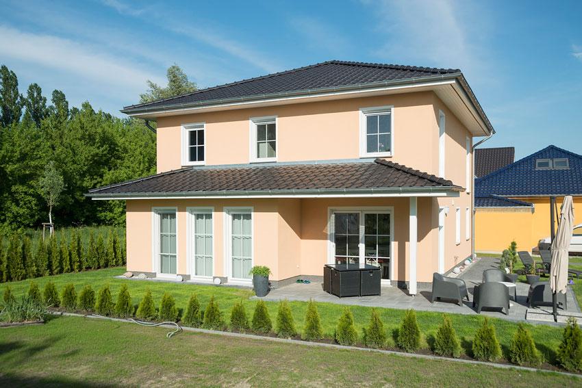Baupartner mit empfehlung stadtvilla von roth massivhaus for Hausbaufirmen brandenburg