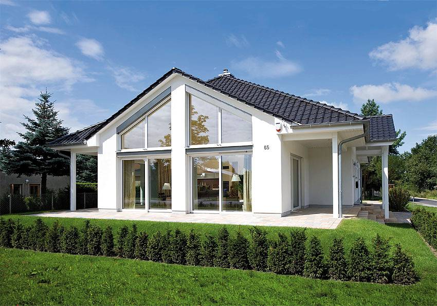 Heinz von Heiden Bungalow Oranienburg - Der lichtdurchflutete Bungalow bietet auf rund 159 m² Wohnfläche höchsten Wohnkomfort auf einer Ebene. Quelle: Heinz von Heiden