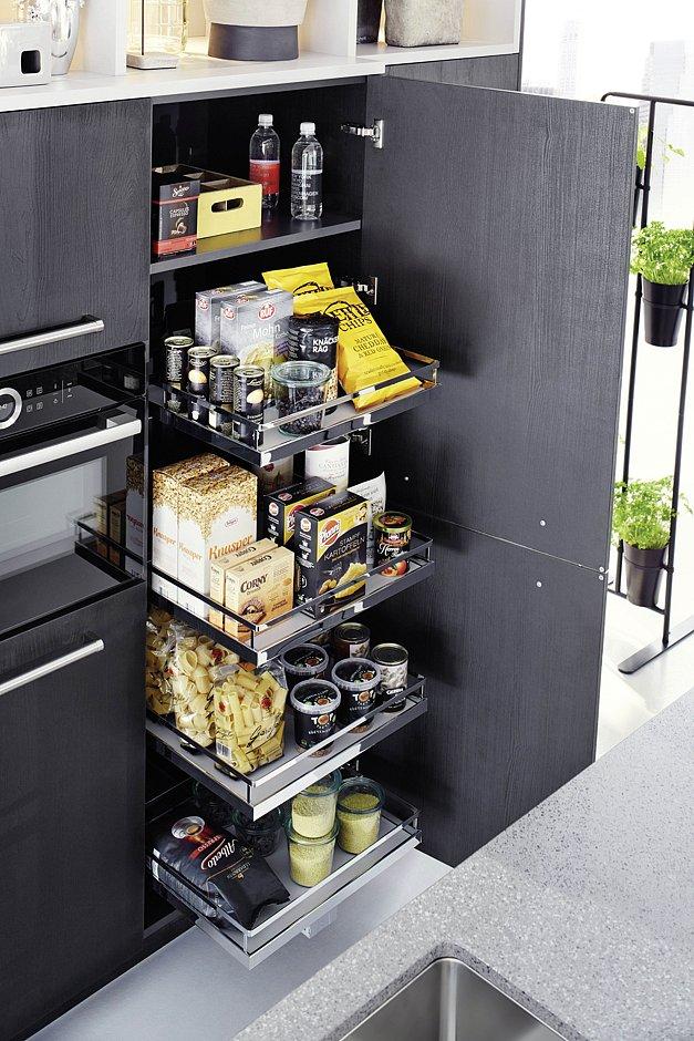 Komfortabel: bei dieser übersichtlichen Vorratslösung sind alle Lebensmittel ebenfalls schnell zur Hand. (Foto: AMK)