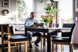Insbesondere im Winter ist die offene Küche für den Hausherrn der Lieblingsaufenthaltsplatz.