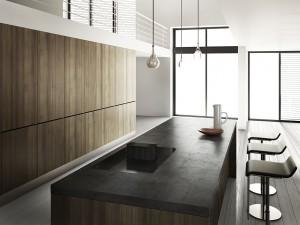 Wenn Herd und Dunstabzug beinahe unsichtbar und in Betrieb geräuscharm sind, verwandelt sich die Küche schnell in einen vollwertigen Wohnraum ohne störende Elemente. Foto: Novy/txn-p