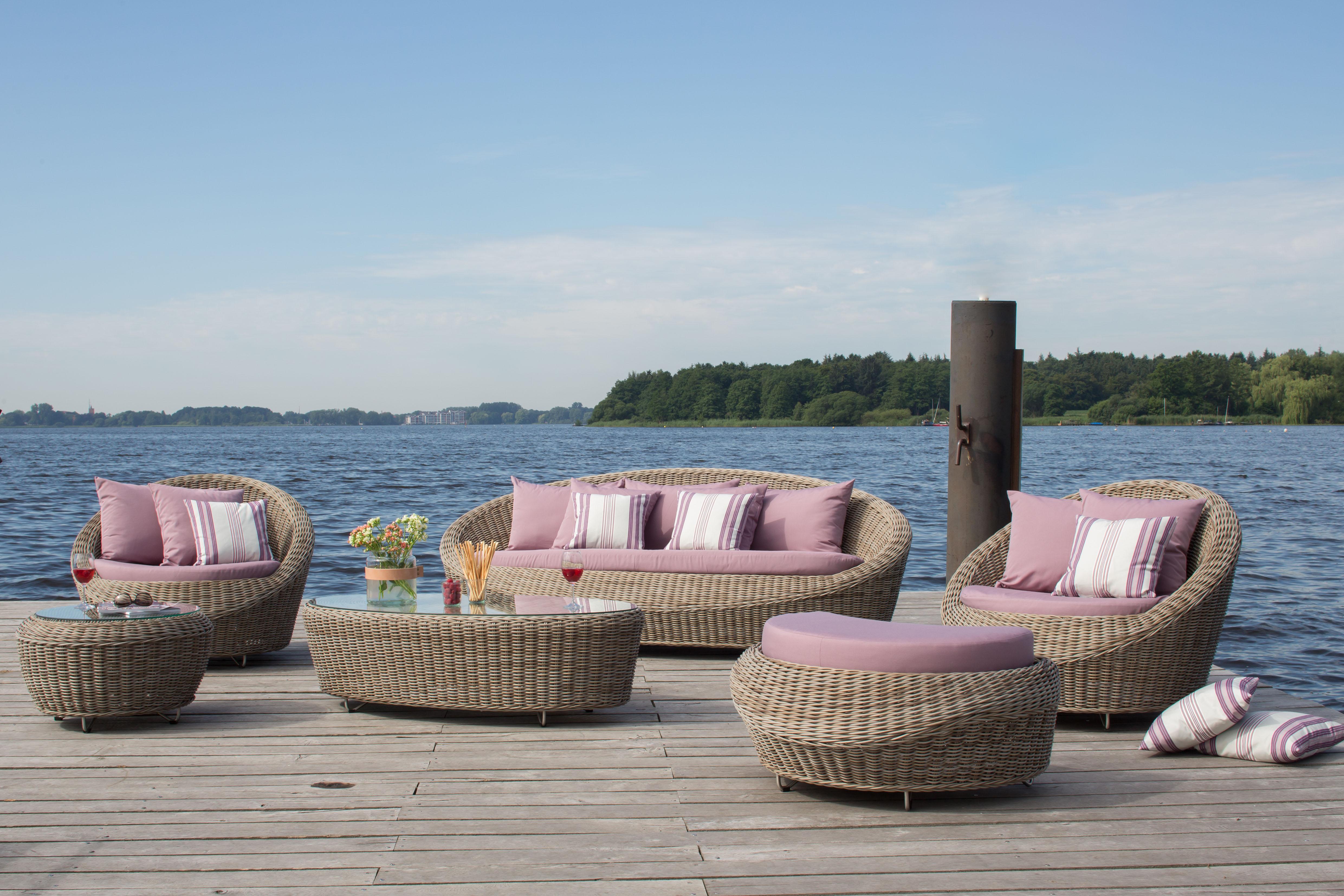 Alles aus einem Guss: Bei der Möblierung des Garten sollten Farben, Materialien und Design möglichst gut aufeinander abgestimmt sein. djd/dekoVries
