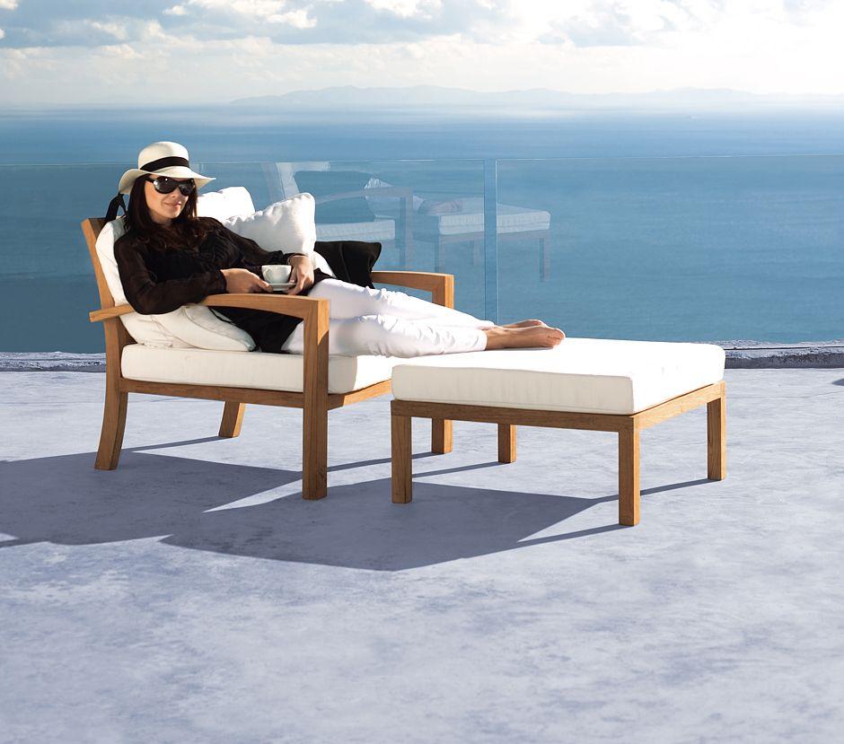 Möbel in Teakholz kombiniert mit Hightech-Stoff-Gewebe wie Textilene erlebt ein Comeback. Sessel SOLID von Royal Botania © Who´s Perfect