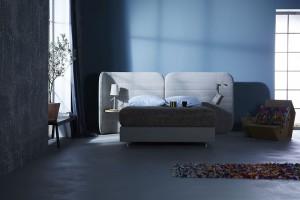 Sanftes Blau wirkt entspannend und sorgt für eine gute Nachtruhe. Foto: VDM/Schramm Werkstätten