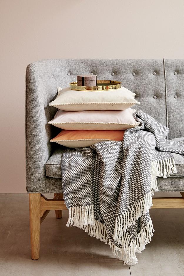 ein hauch von puder. Black Bedroom Furniture Sets. Home Design Ideas
