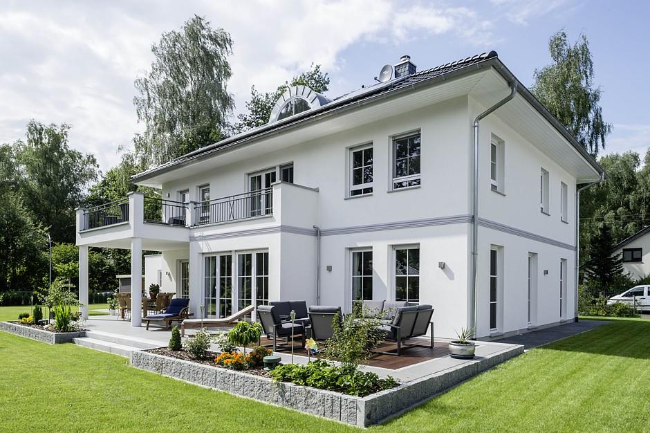 Arge haus modern chic und massiv for Einfamilienhaus berlin