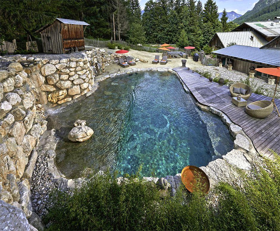 Erlaubt ist, was gefällt: Bei Gestaltung und Design des eigenen Pools sind kaum Grenzen gesetzt. Profi-Fachbetriebe beraten zu allen Möglichkeiten. Foto: djd/Bundesverband Schwimmbad & Wellness e.V.