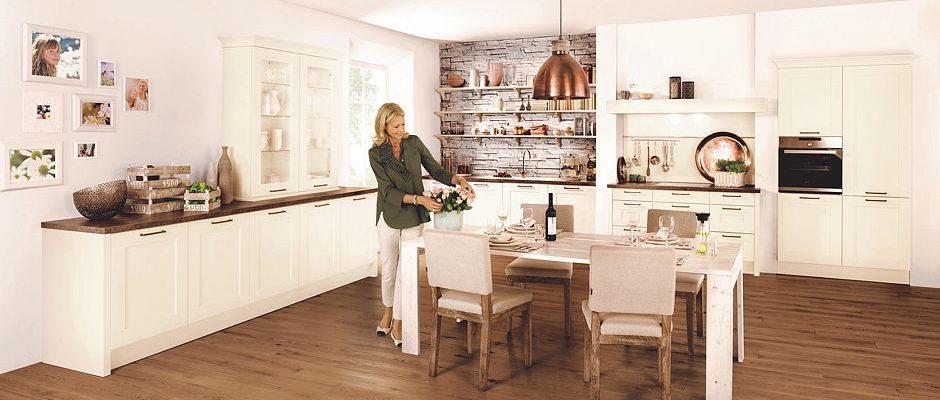 Holz in der modernen Küche   www.immobilien-journal.de