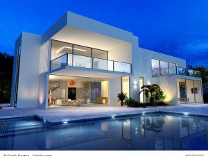 Exklusives Haus im modernen Stil mit Flachdach (c) Frank Boston - Fotolia.com