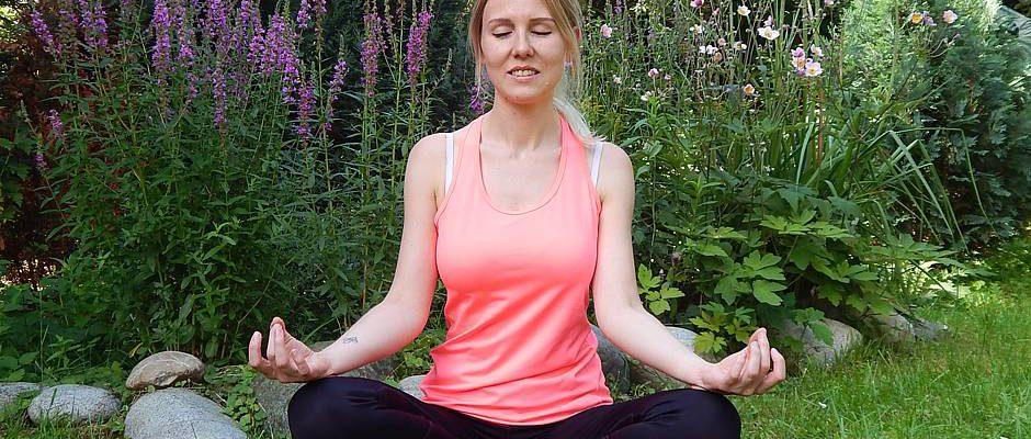 Für Gartenbesitzer, die der Hektik des Alltags gerne mit Yogaübungen entfliehen, ist ein abgeschiedenes, ruhiges und schattiges Plätzchen im eigenen Garten ideal.