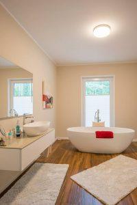Auf die Einrichtung des Badezimmers haben die Bauherren besonderen Wert gelegt Foto: maasgestaltet