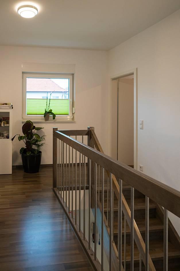 Ein Highlight des Hauses - die Treppe Foto: Oliver Maas