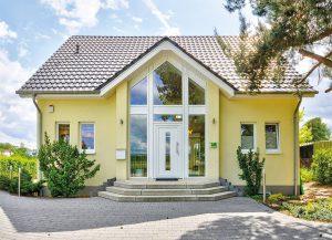 Im Musterhaus in Falkensee können sich Besucher von der HELMA-Bauqualität selbst ein Bild machen. Foto: HELMA Wohnungsbau GmbH
