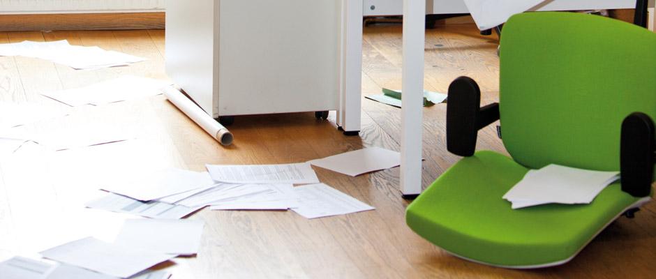Die Haus- oder Terrassentür ist aufgebrochen, alle Schränke sind ausgeräumt und alles liegt wild durcheinander im Haus verstreut. Für Betroffene ist vor allem das Gefühl, in den eigenen vier Wänden nicht mehr sicher zu sein, sehr belastend. © stockunlimited
