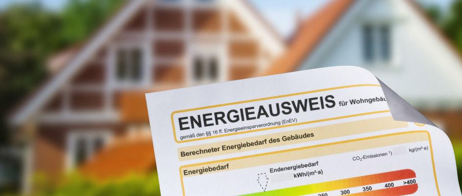Zehn Jahre nach ihrer Einführung laufen in Deutschland hunderttausende Energieausweise ab. Viele Eigentümer und Vermieter müssen sich neue Energieausweise ausstellen lassen. © Eisenhans / Fotolia.com