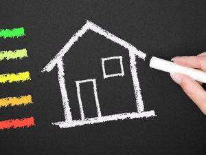 Überaus günstige Zinsen mit langjähriger Kreditlaufzeit und Zinsbindung machen das KfW-Effizienzhausprogramm besonders im Neubau für private Bauherren interessant. © DOC RABE Media - Fotolia