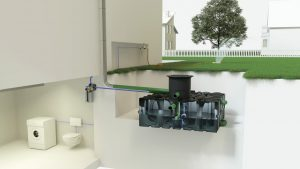 Wer Regenwasser sammelt und im Haushalt nutzt, reduziert seine Abwasserkosten und spart gleichzeitig Trinkwasser. Außerdem entlasten Regenwassertanks die Kanalisation bei Starkregen. Foto: ACO Hochbau Vertrieb GmbH