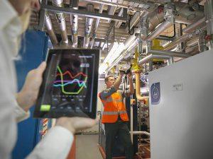Unternehmen investieren verstärkt in den Klimaschutz - und auch Verbraucher können von Energiesparpotenzialen profitieren. © djd/E.ON