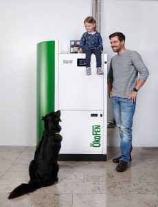 Seit April 2017 werden auch Pelletheizungen mit einem Energielabel gekennzeichnet, so wie es vielen Verbrauchern schon von den Haushaltsgeräten vertraut ist. © djd/ÖkoFEN