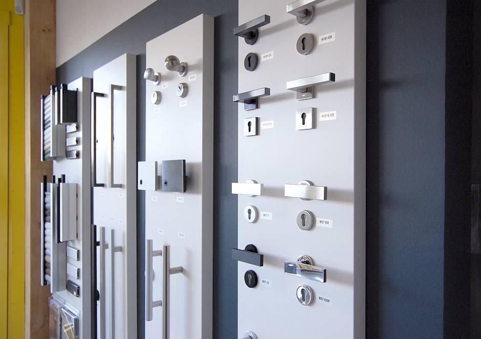 Eine Auswahl der Türklinken und Türgriffe aus der Bauherren auswählen können Foto: MH / RIV GmbH
