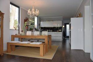 Der Wohn-Küchenbereich lädt zum Verweilen ein Bild: MAX-HAUS GmbH