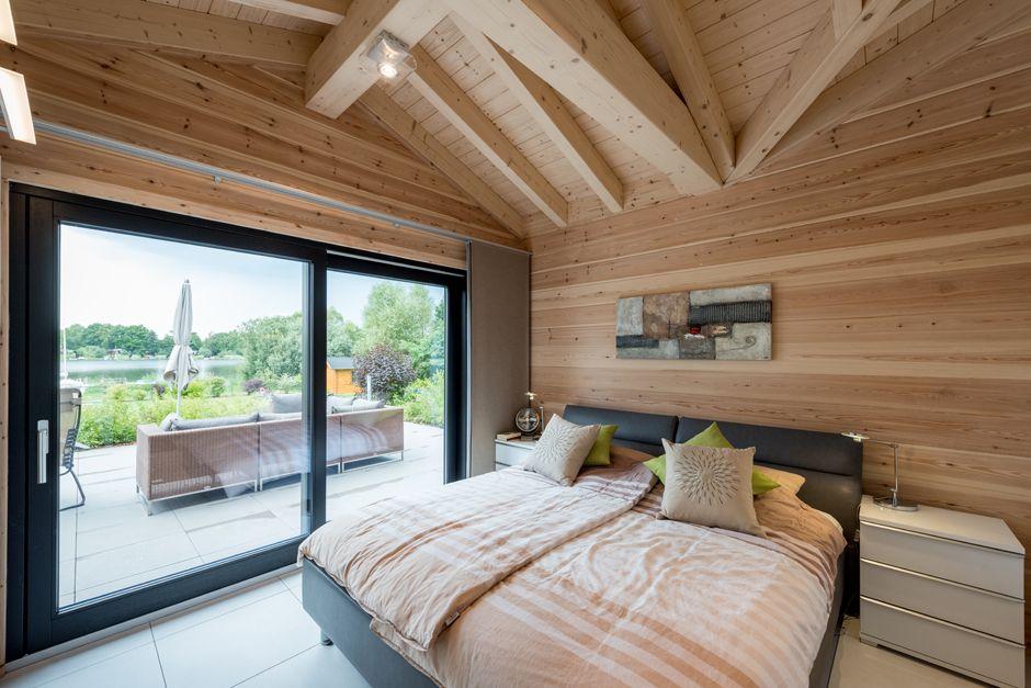 Das Schlafzimmer mit schönen Ausblick Foto: Fullwood Wohnblickhaus
