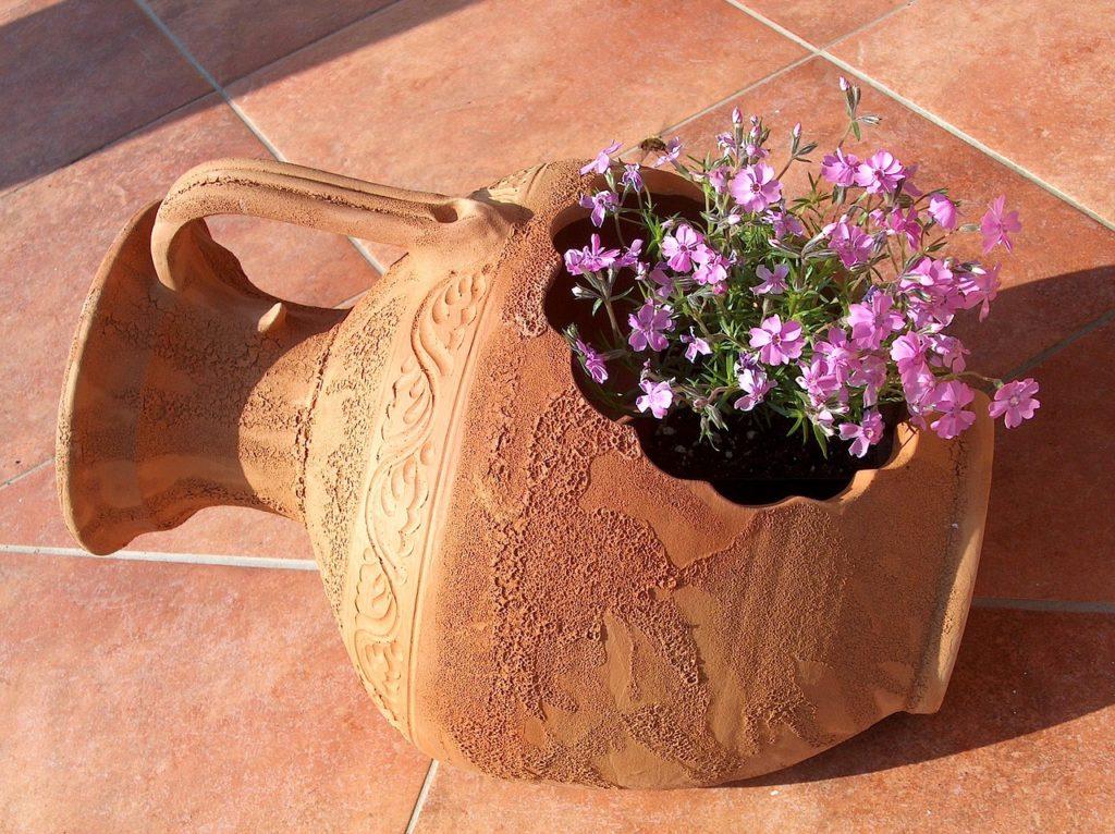 Pflanzentopf für die Terrasse