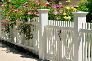 Gartenzaun im Landhausstil