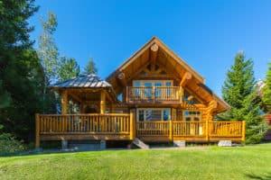 klassisches Holzblockhaus