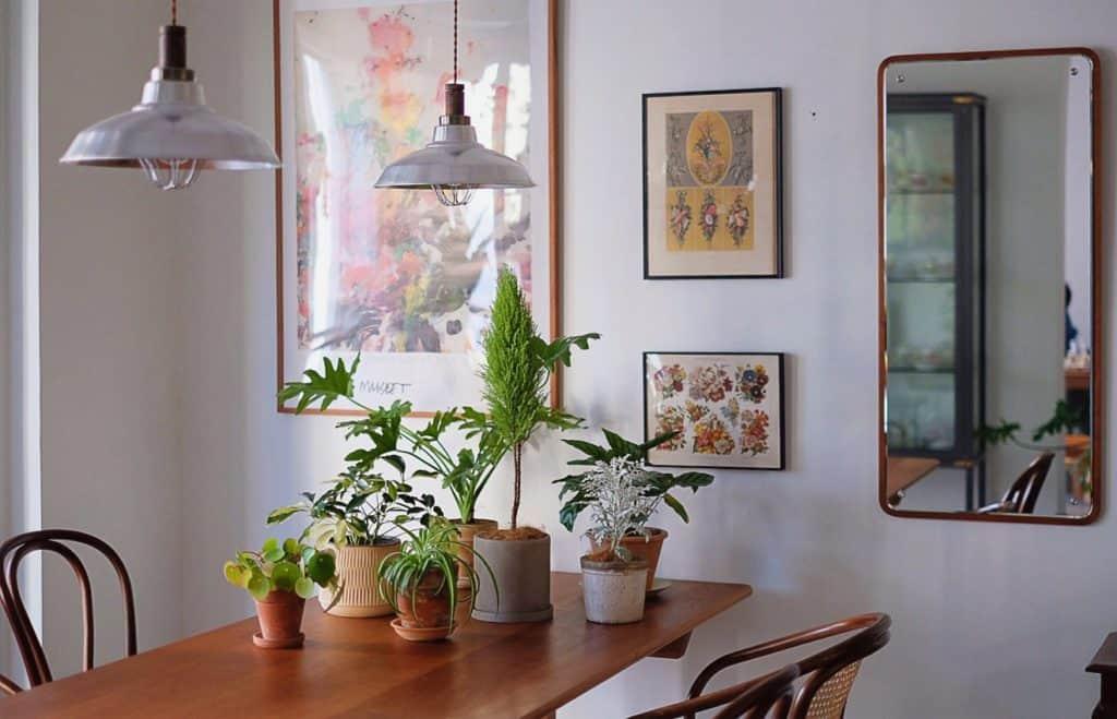Lampen und Bilder für die Esszimmer Gestaltung