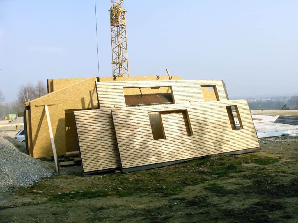 Bauteile eines Bausatzhauses