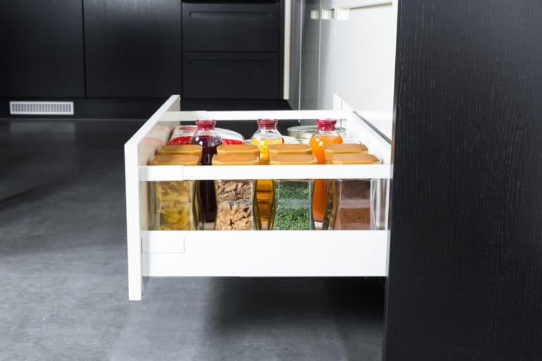Bevorratung von Lebensmitteln in der Küche