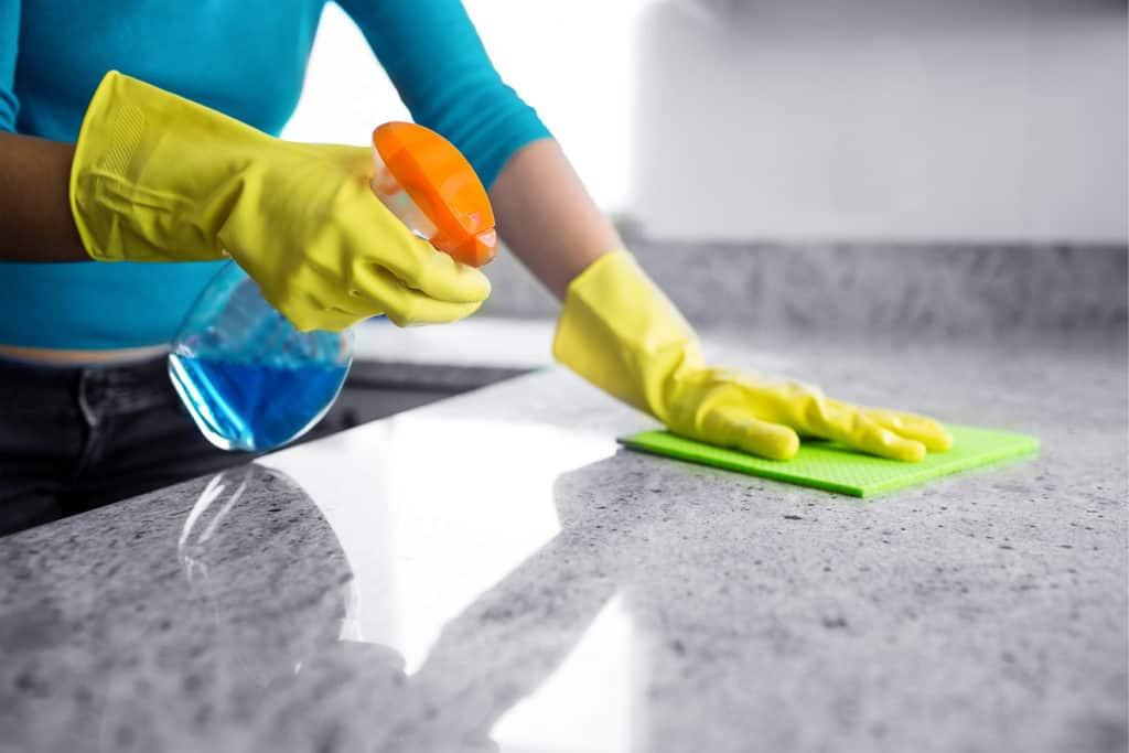 Pflege der Küchenarbeitsplatte