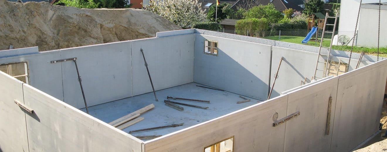 Bau eines Fertigkellers mit Fertigteilen aus Beton