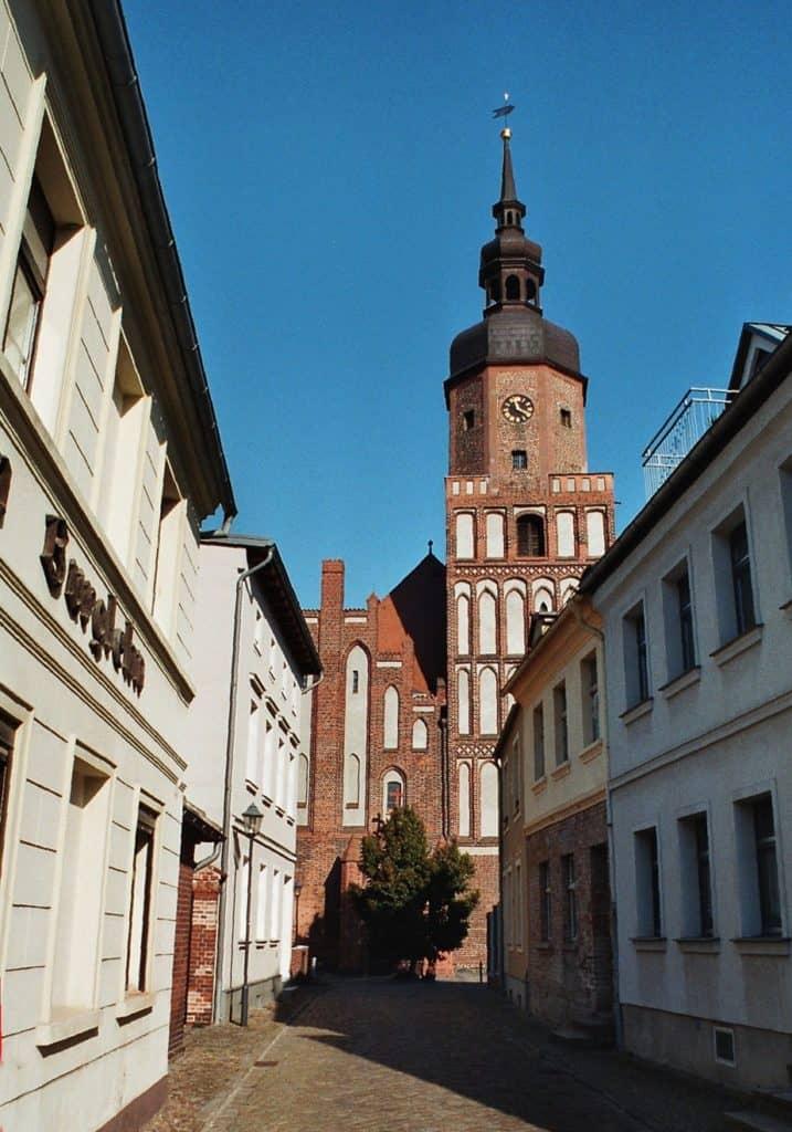 Spremberg, Kirchgasse und Kreuzkirche