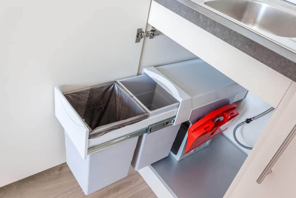 Einbausystem zur Mülltrennung in der Küche