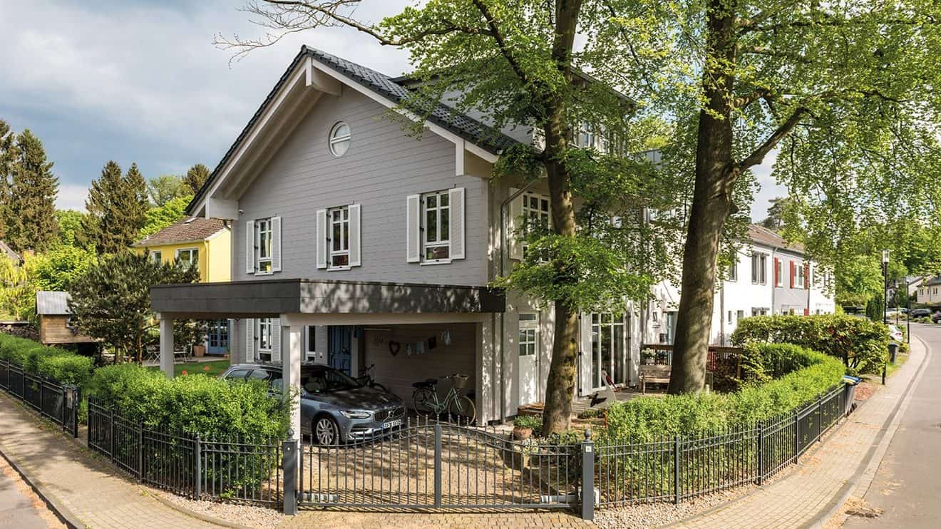 Exklusives Anbauhaus aus Massivholz von FULLWOOD Wohnblockhaus
