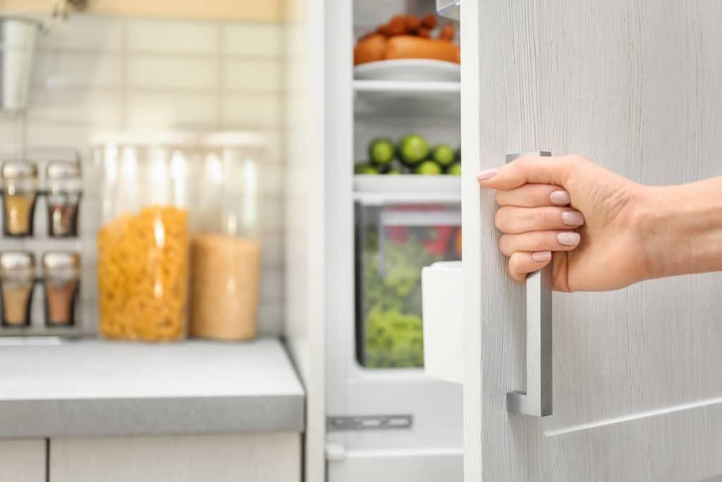Die Ausstattung und Größe sollte insbesondere bei Einbaukühlschränken richtig geplant werden