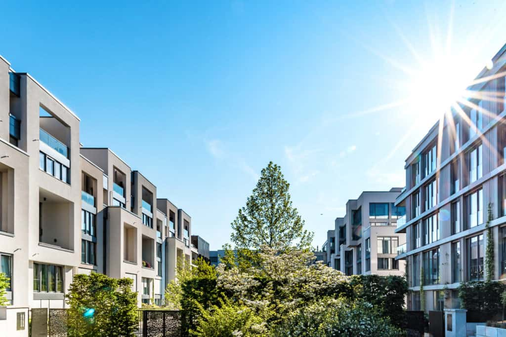 Wohngebiet mit Neubauimmobilien