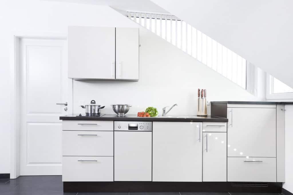 Küchenzeile mit 45cm Geschirrspüler