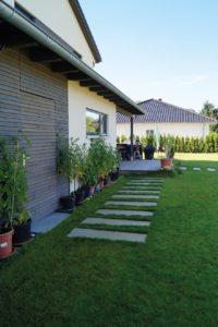 Die Werkstatt ist von der Gartenseite begehbar. © SF