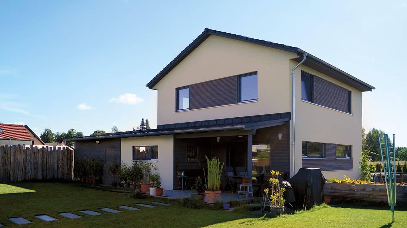 MAX-Häuser zeichnen sich dadurch aus, dass sie individuelle Wohnkonzepte mit einer nachhaltigen, ökologischen Bauweise und den praktischen Aspekten der Fertigbauweise vereinen. © SF