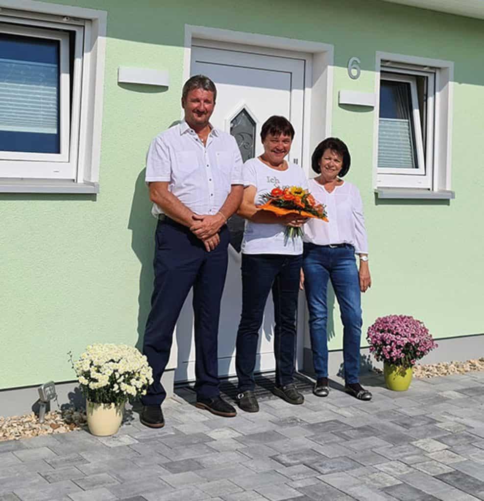 Heinz von Heiden-Hausberater Harald Clemens , Bauherrin Carola Schöfl und Petra Schröter