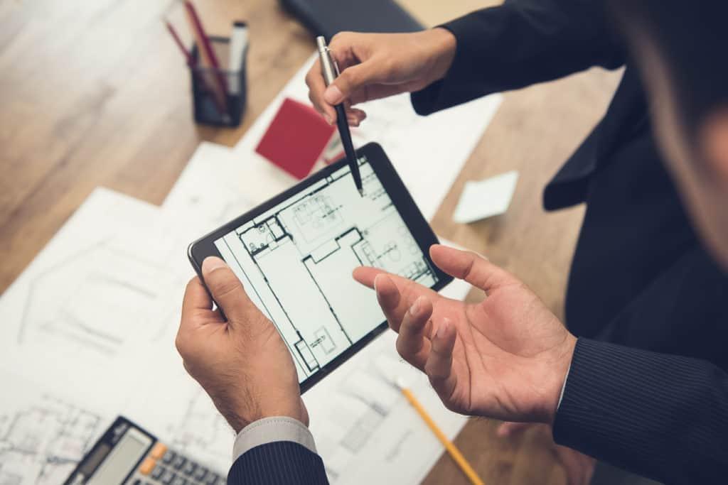 Grundrissplanung mit einer App auf dem Tablet