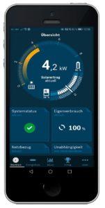 Endkunden haben mit der intuitiv bedienbaren App MyEnergyMaster alle wichtigen Daten im Blick. © Buderus
