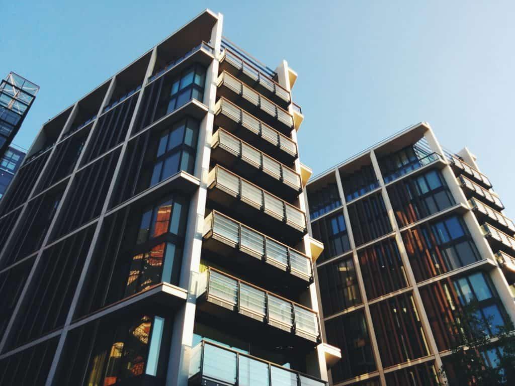 Auch große Gewerbeobjekte wechseln häufiger ohne großes Aufsehen den Eigentümer.